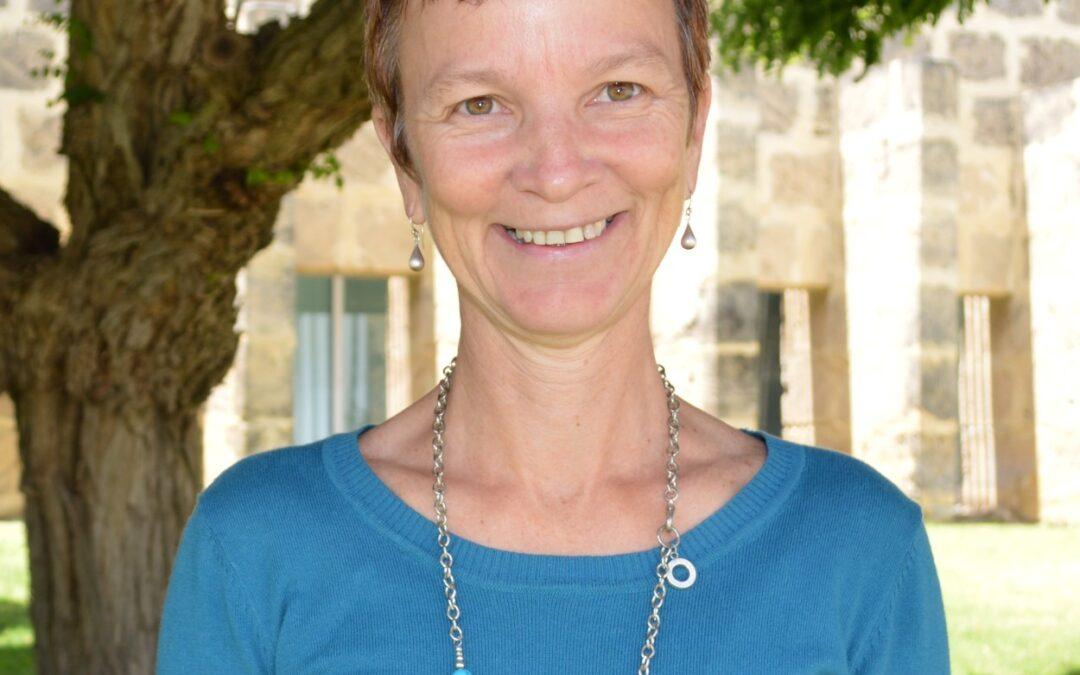 Dr Melissa Stoneham